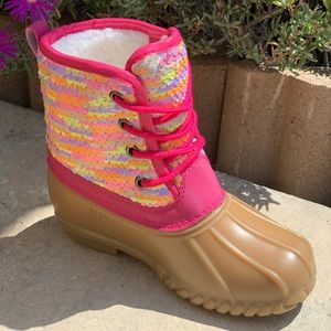 NEW** GIRLS MULTI COLOR SEQUIN LACE UP DUCK BOOTS
